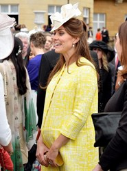 Photo of pregnant Kate Middleton 16 July 2013