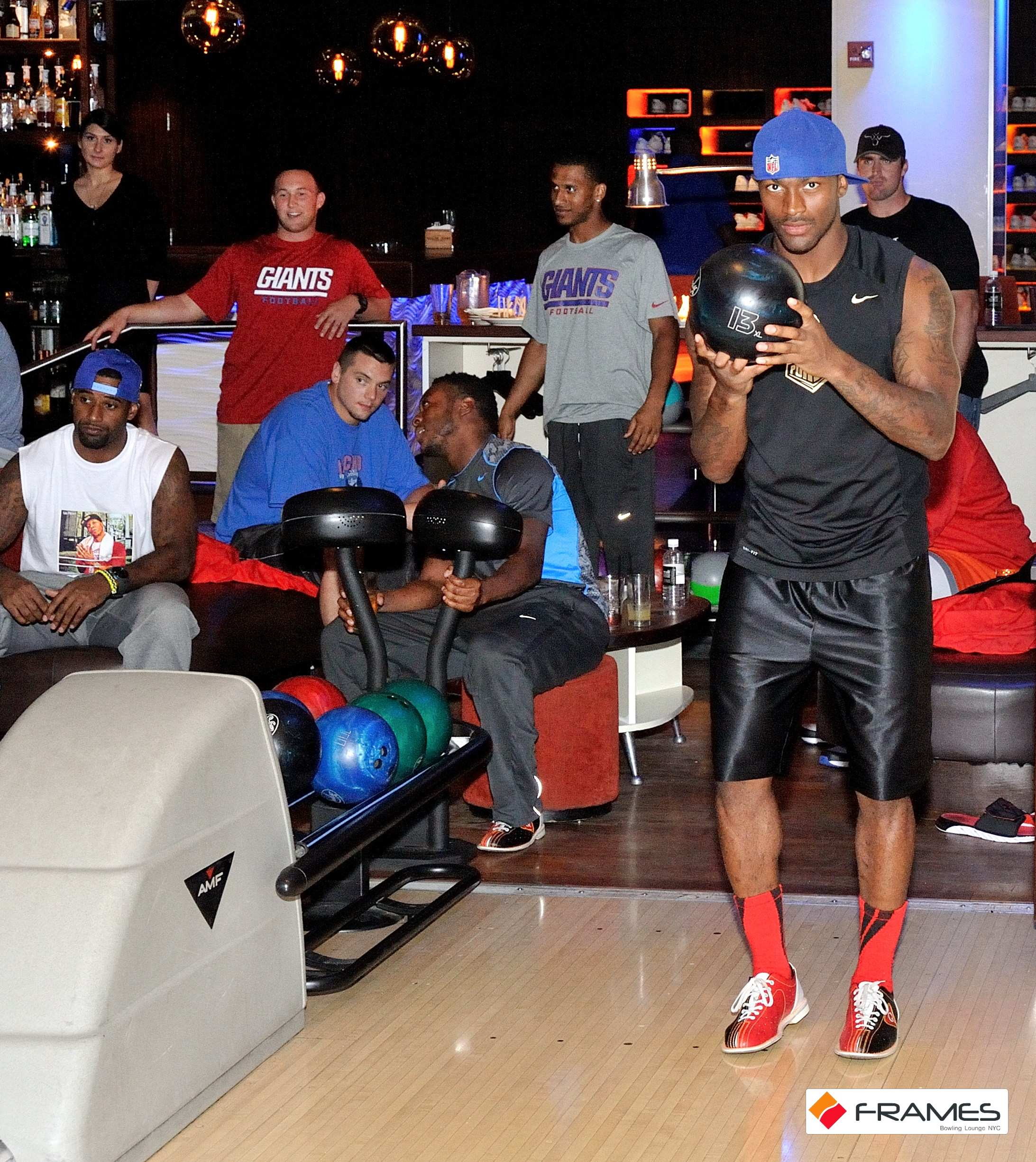 Entire NY GIANTS Football Team Celebrate a Boys Night Out at Frames ...
