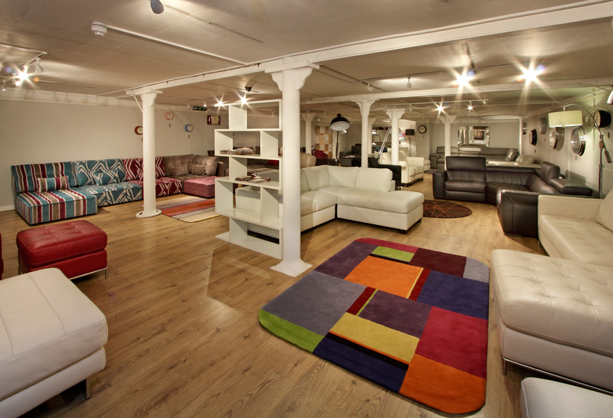 New Darlings Of Chelsea Showroomtunbridge Wells Showroom Sloane Leather Sofa