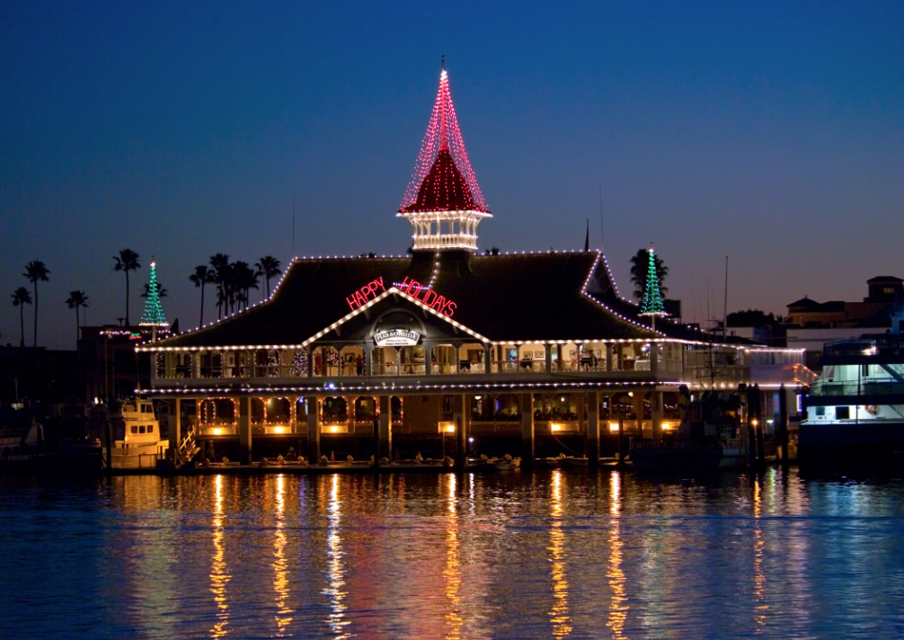Balboa Village S 12 Days Of Christmas Contest Offers Winners A Magnien Olmstead Wedding Harborside Banquets The Pavilion Newport Beach
