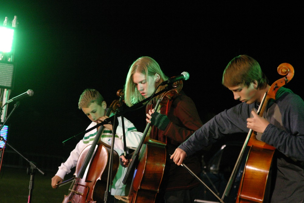 Teenage Cello Rock Band Synergy Releases their Debut Album, Expect