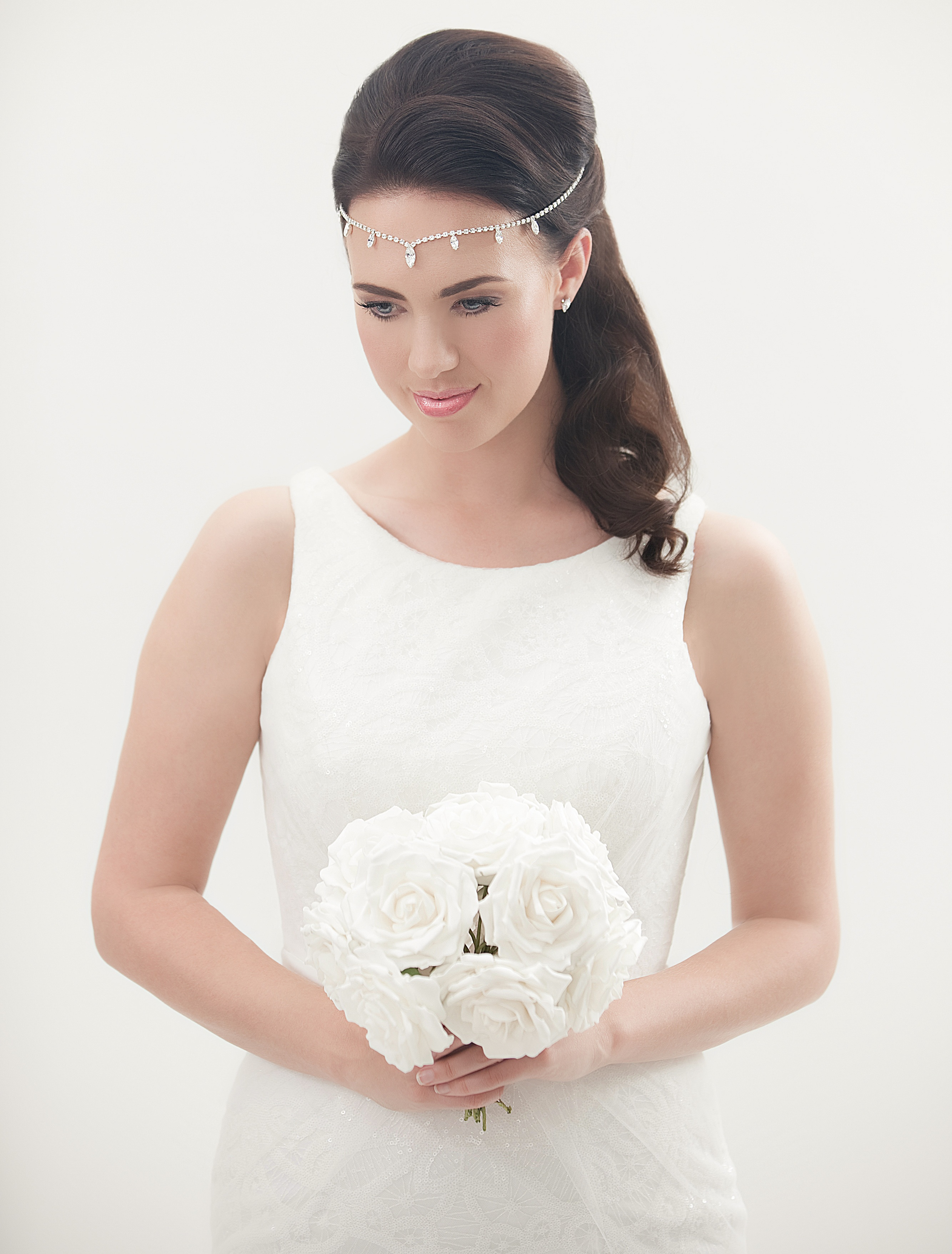 New Vintage Style Bridal Forehead Bands Offer Brides To Be Four New Looks