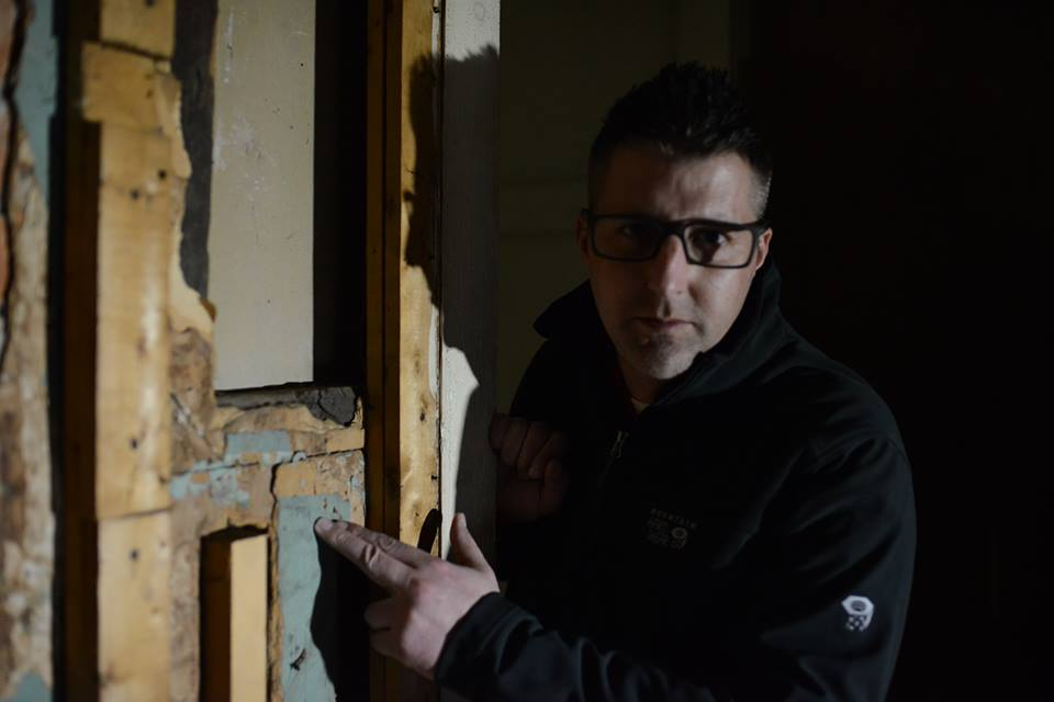 Ghost Hunter Claims 100 Proof Of Paranormal Activity At
