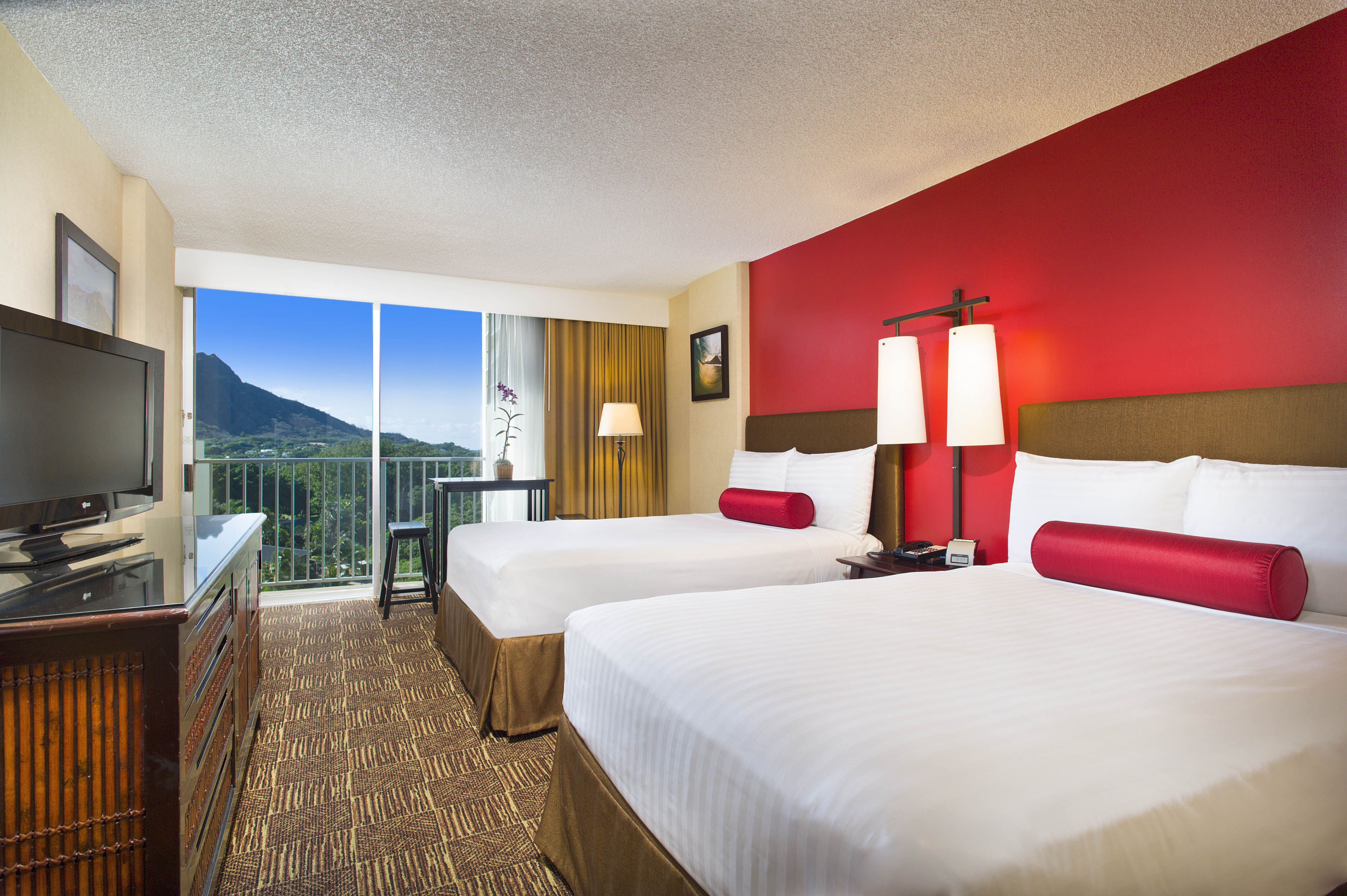 Recently Refreshed Guestrooms At The Aston Waikiki Beach Hotel Designer Boutique Renew
