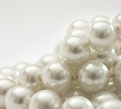 White round pearls with beautiful luster