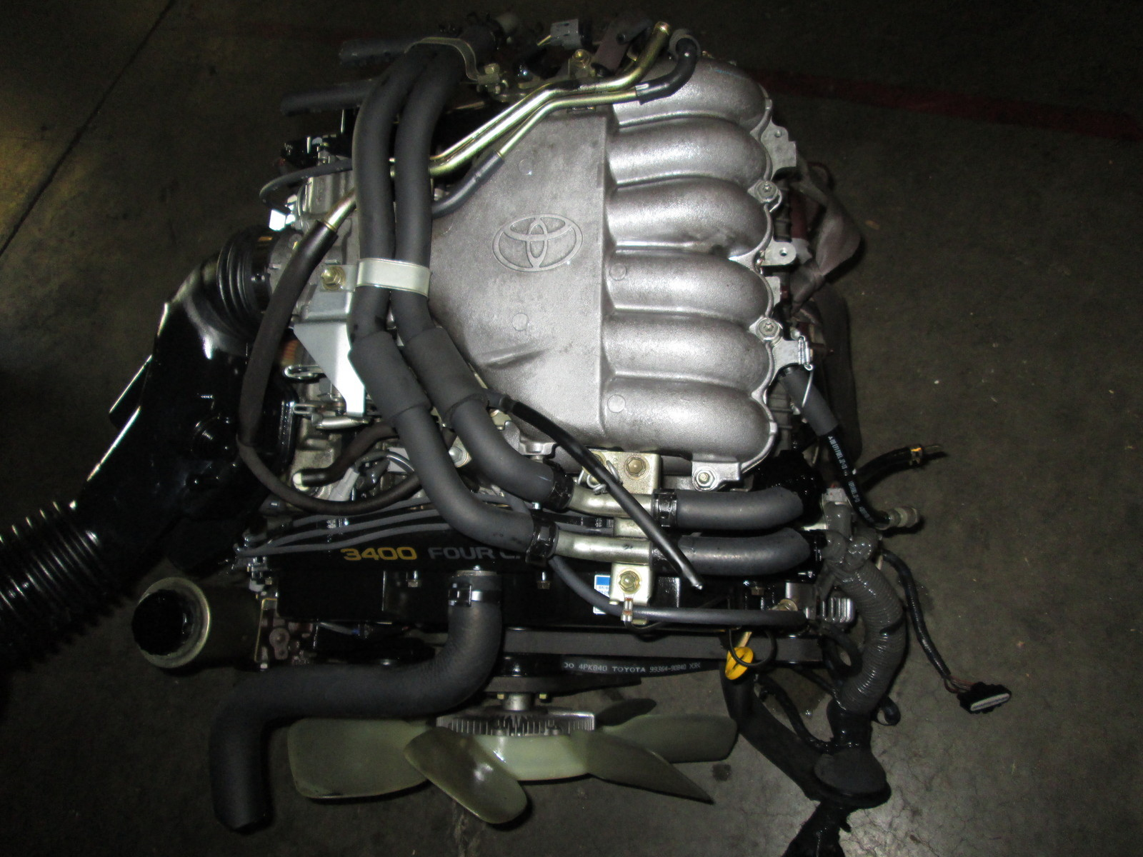 ... 5VZ Toyota Tundra Engine ...