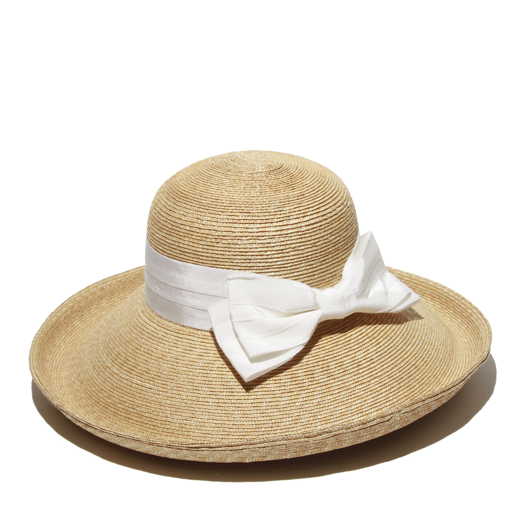 aa315eceba7dd SolEscapes Keeps Kentucky Derby Attendees Sun Safe and Fashionable ...