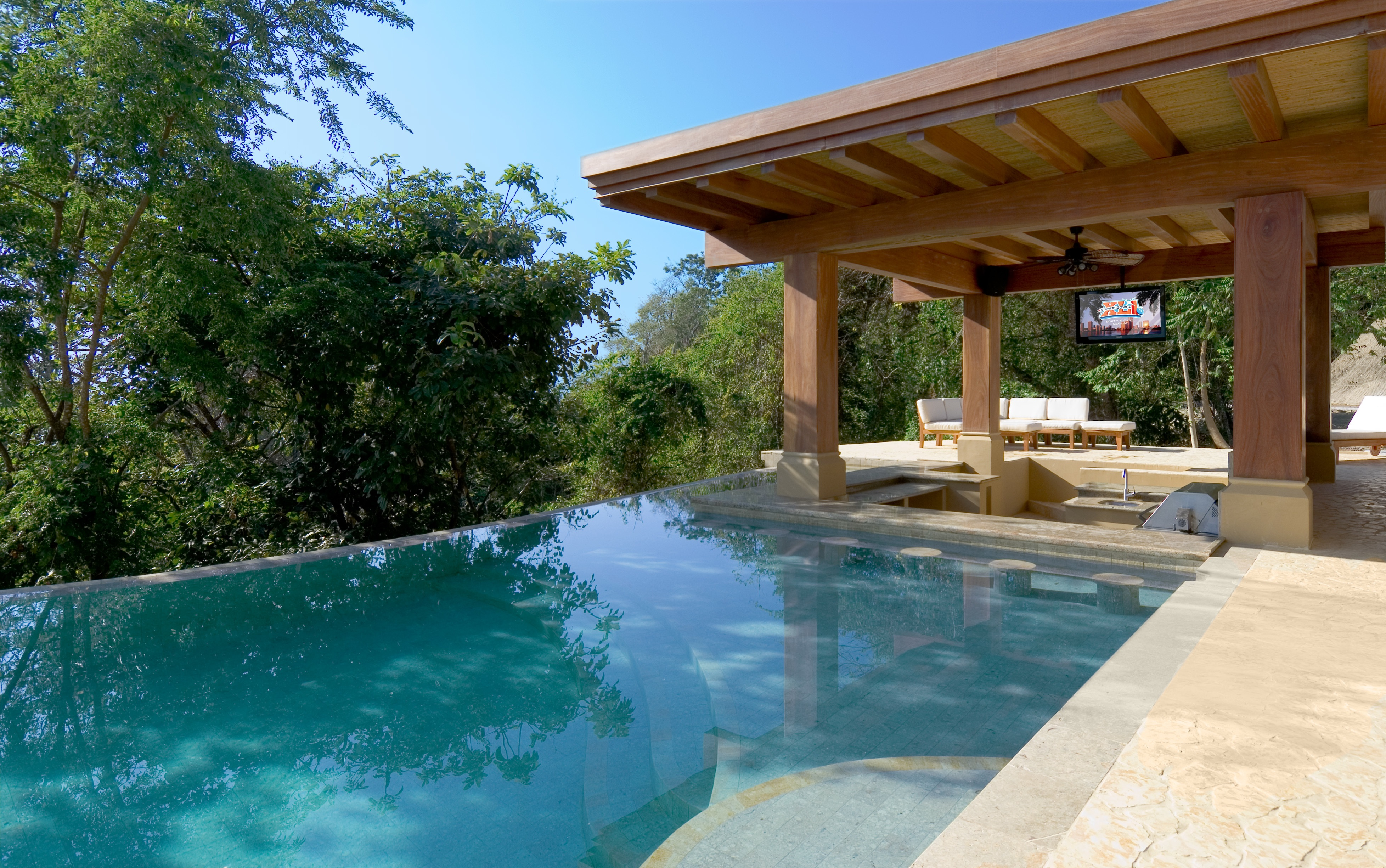 New Luxury Vacation Rental Villas Added To Mead Brown