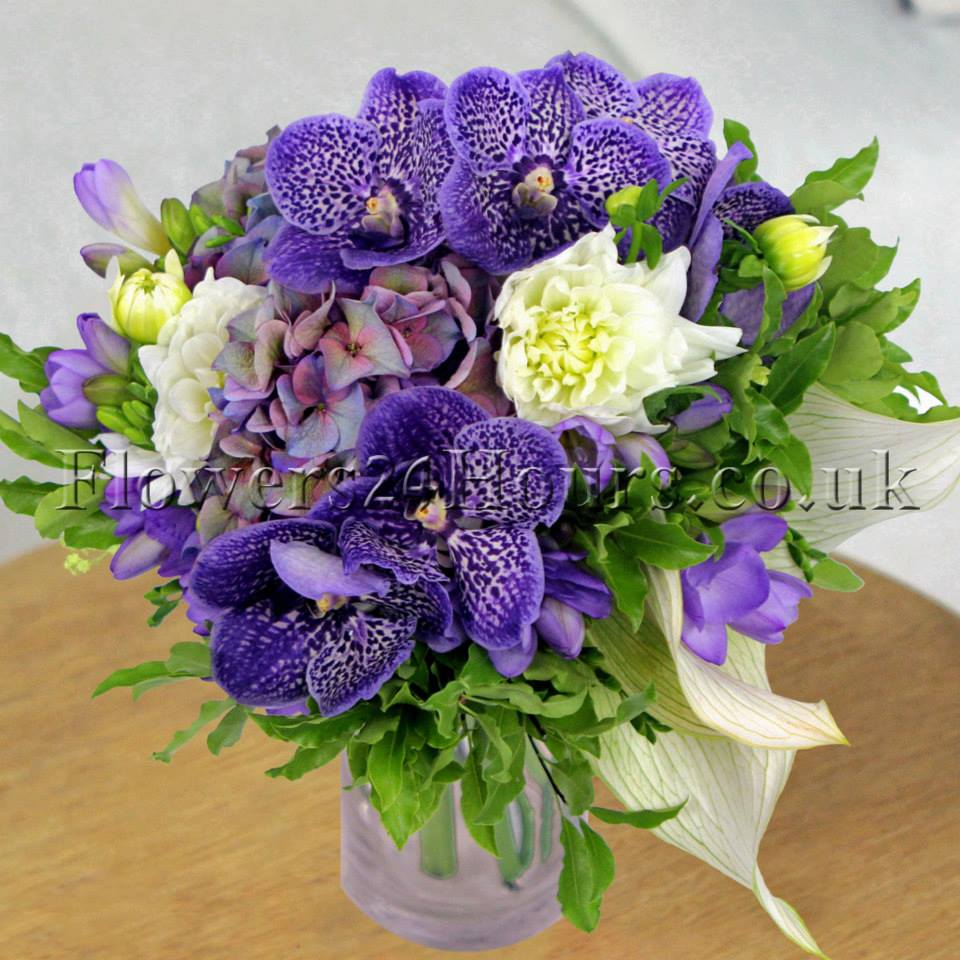 Flowers that say summer and gifts to match from flowers24hours online flowers delivered in london delivery flower in london flower delivery london order flowers izmirmasajfo