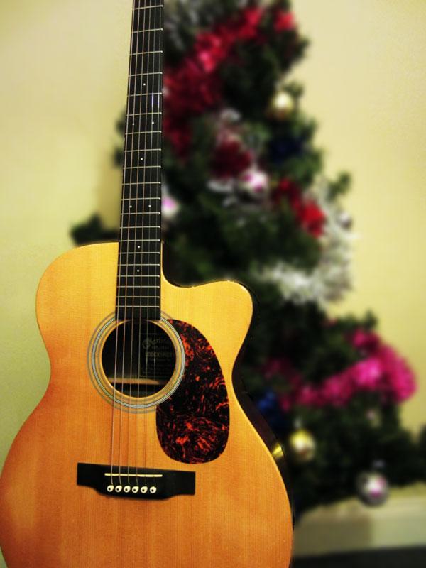 С новым годом картинки с гитарой
