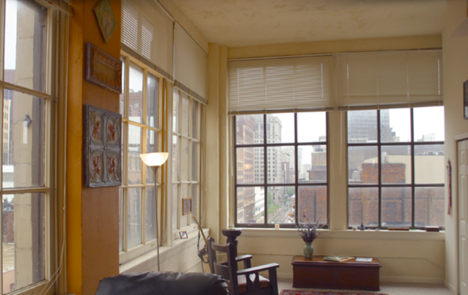 High Ceilings Large Windows Views Of Public Square And The Historic Euclid Avenue Corridor Cleveland Ohio Apartments Downtown Lofts
