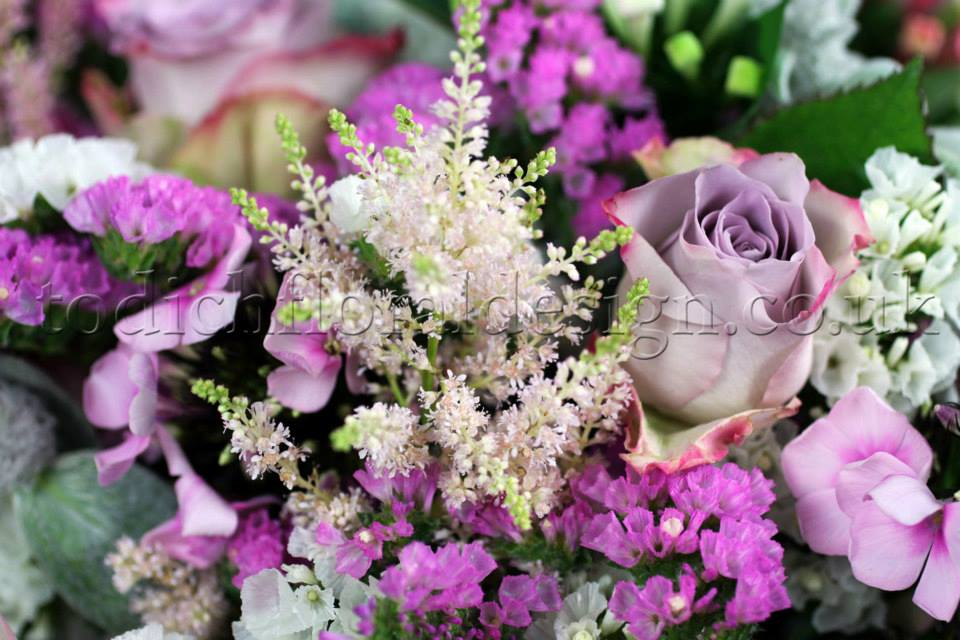 Christmas Wedding Bouquets Uk.Todich Floral Design Reveals Top 10 Winter Wedding Trends