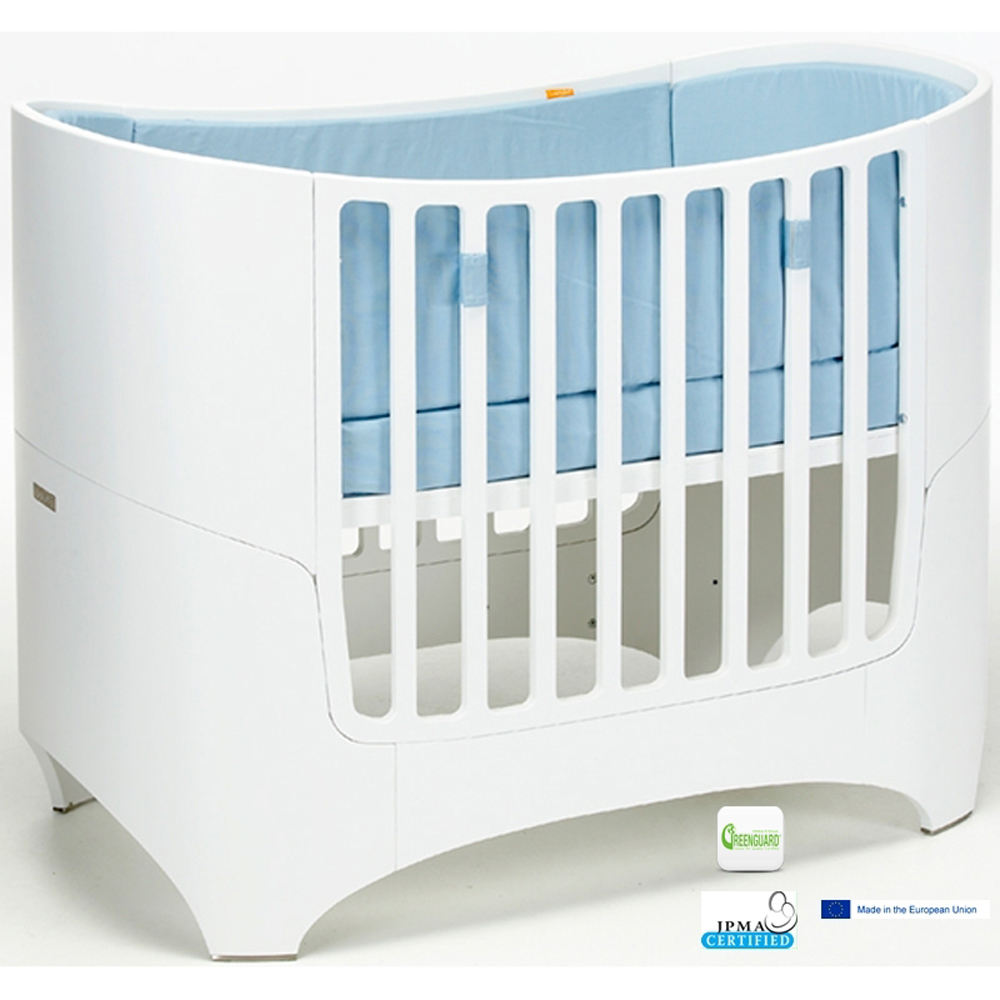 Liz And Roo Begins Manufacturing Oval Crib Sheets For