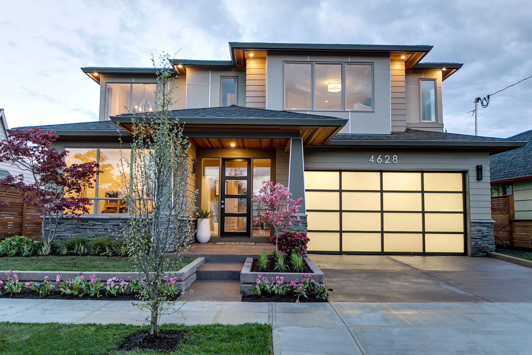 Get an Inside Look at Eight Amazing Modern Homes in ...
