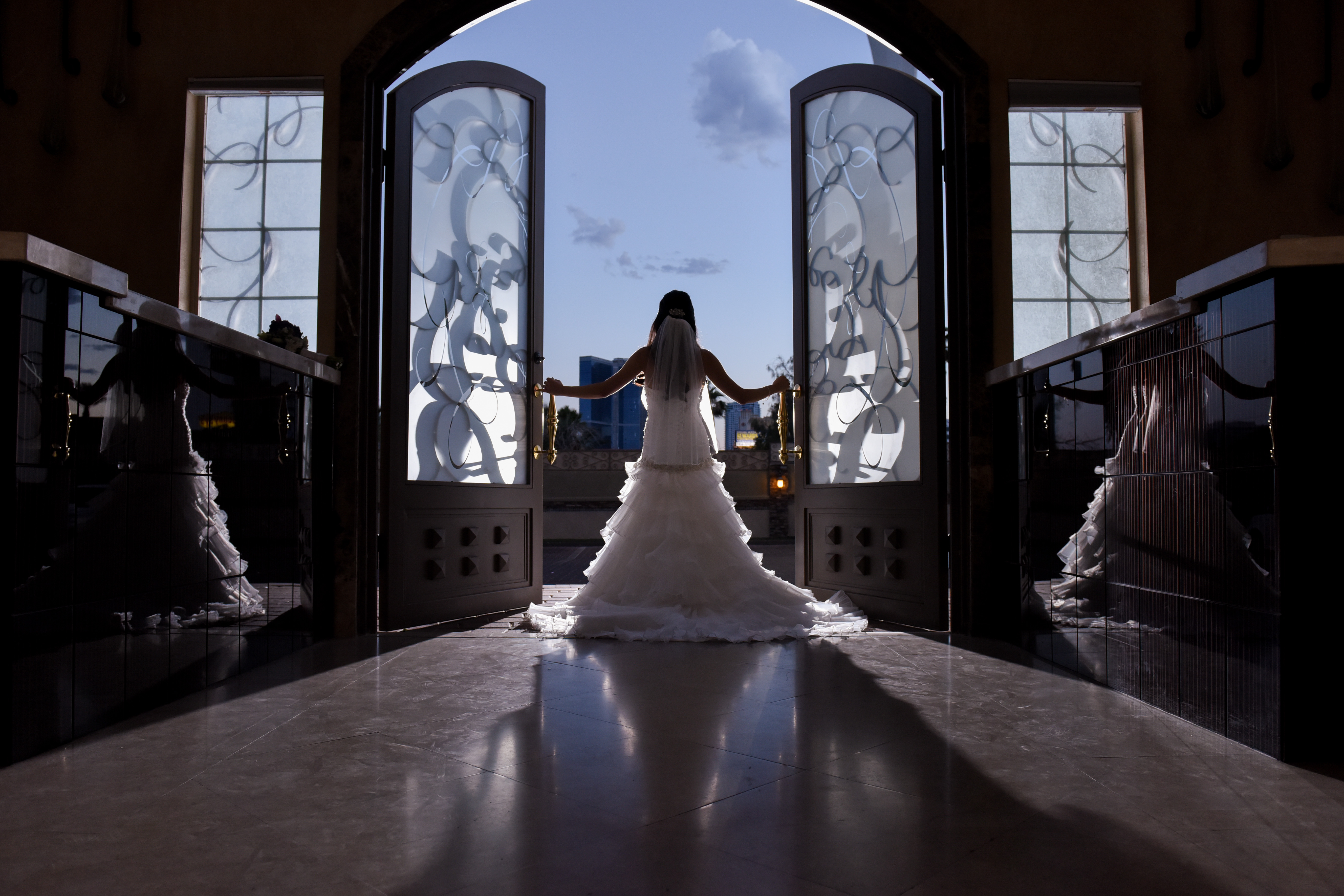 Elegant Brideelegant Weddings In Las Vegas Wedding Chapel