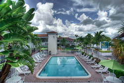 Quality Inn & Suites - Hollywood Blvd & Port Everglades Cruise Port, a full-service Hollywood, Florida hotel receives its 5th Consecutive White Glove Award
