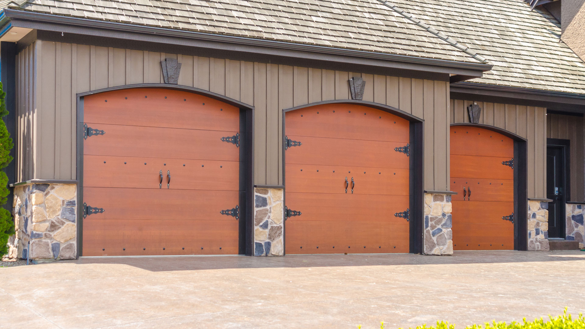 & LA Garage Pros Opens for Business in the Los Angeles Metropolitan Area