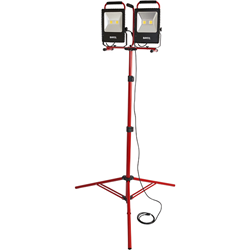 New Bayco High Lumen 10,000 Lumen LED Work Light Stands Tall at 8'...