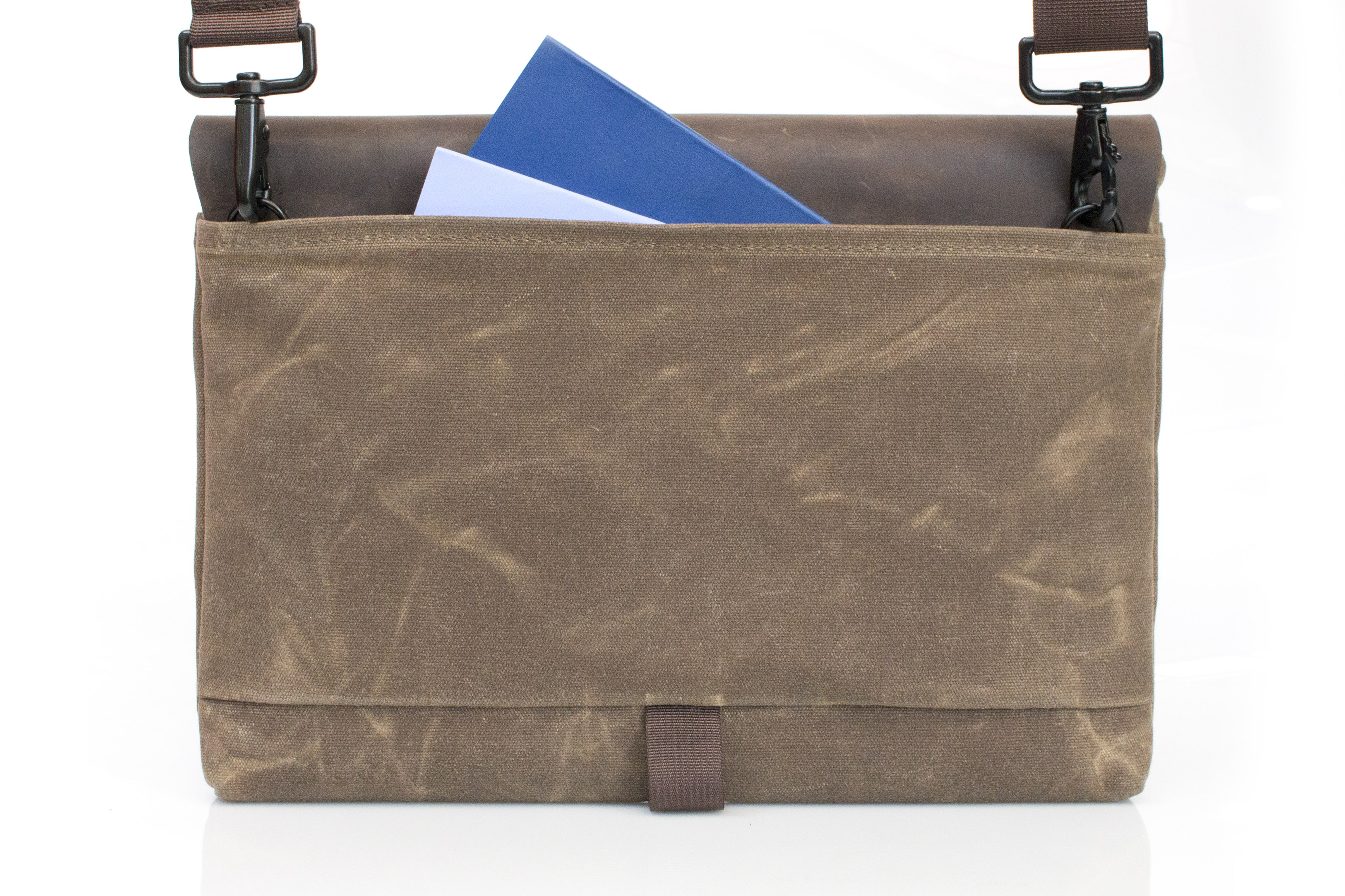 ac673c942a2b WaterField Unveils the Outback Solo 2.0 — a Compact Carry Case for ...