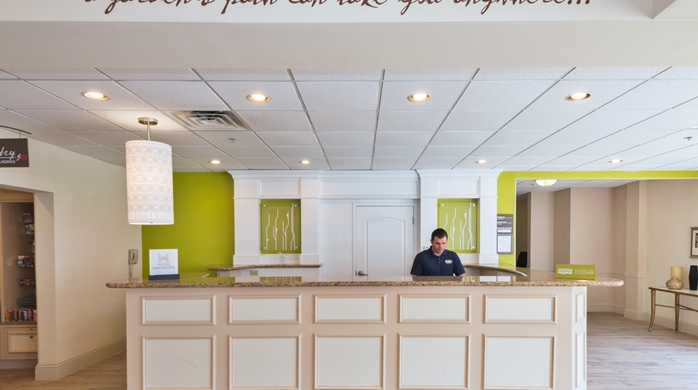 Good Hilton Garden Inn Philadelphia/Ft. Washington Front Desk ... Nice Look