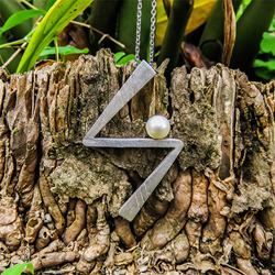 Lightening pendant in the forest