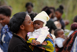 photograph of mother and child in Zambia
