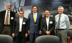 US DOE acting head of nuclear energy Ed McGinnis flanked by Indonesia delegation and Thorcon representatives