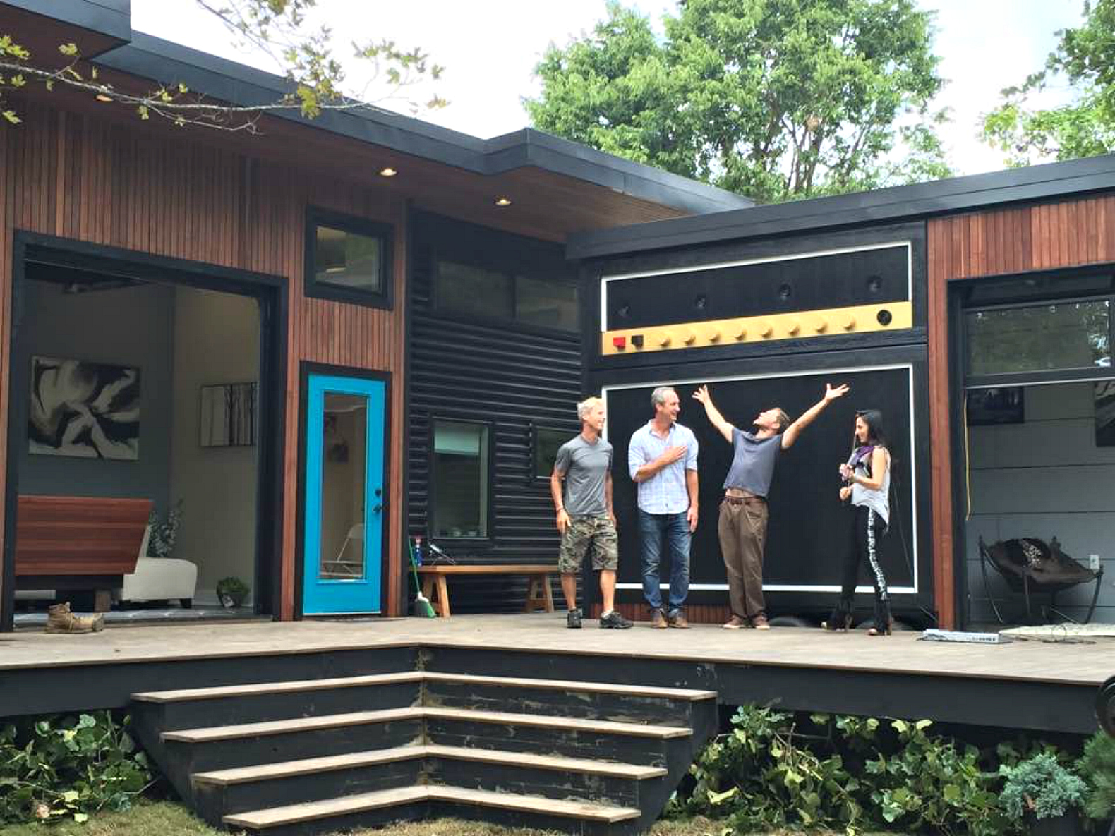 Rock Violinist Asha Mevlana S Tiny Home Voted 1 On Dwell S