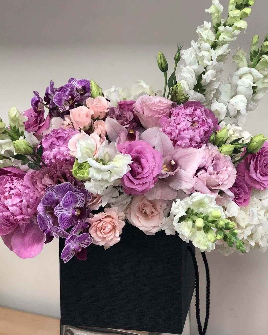 CA Flower Mall Hosts 24/7 Mother's Day Flower Marathon