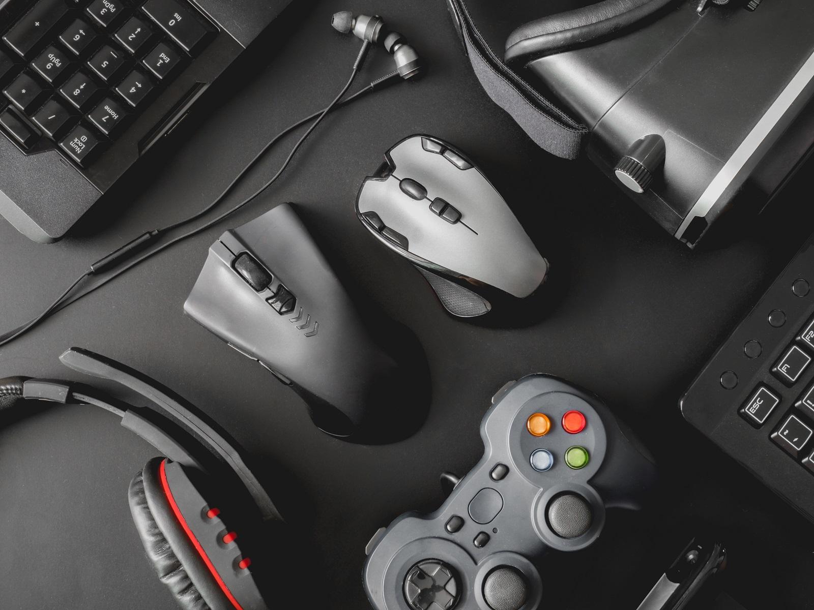 New Mojo Gamer Pro Adjustable Height Standing Desk Offers