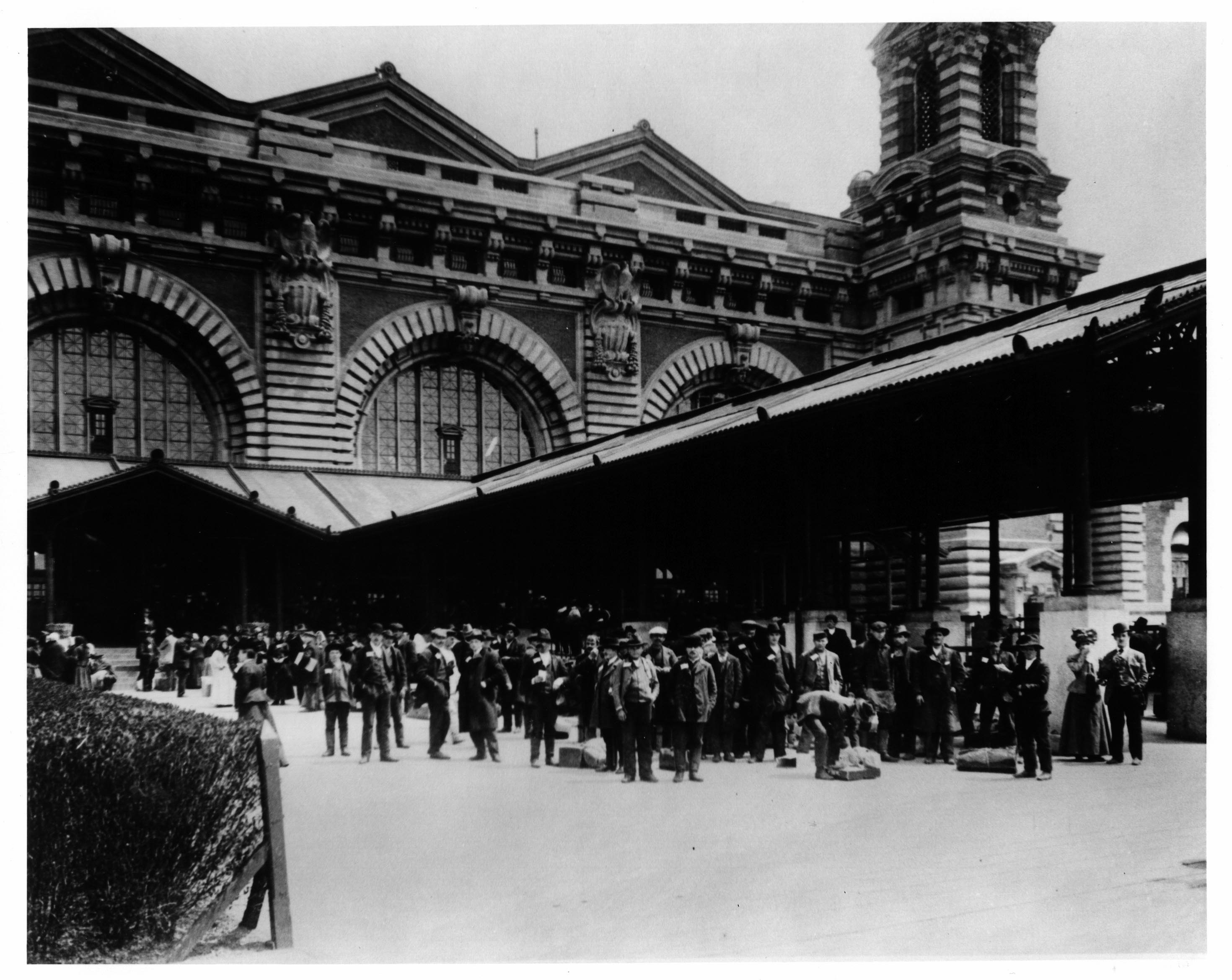 Expanded ellis island passenger arrival records 1820 1957 available free online for Castle garden immigration records