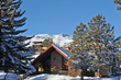 Boasting the perfect combination of convenience and rustic charm, the Sierra Nevada Resort – just a 10-minute drive from Mammoth Mountain – offers comfortable and affordable winter accommodations.