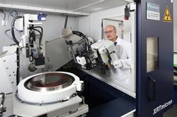 Look inside of the newly installed XRTmicron at Fraunhofer IISB in Erlangen. © Kurt Fuchs / Fraunhofer IISB