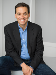 International best-selling author Daniel Pink