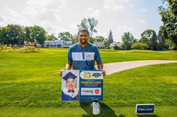 Jalen Rose poses with JRLA graduate hole sign presented by BodyArmor during the 10th Anniversary Jalen Rose Golf Classic presented by Platinum Equity at Detroit Golf Club on August 24, 2020 in Detroit, Michigan. (Photo by Scott Legato/Getty Images for PGD Global)
