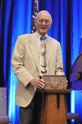 Charlie Duke receives TLC's Texan of the Year award