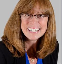Jill Judd, NAIFA's Immediate Past President and State Farm Agent