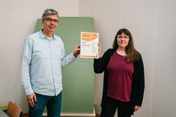 Erik Klaas, CTO, 8tree and Pia Böttcher, VP Operations, 8tree with the ISO9001 certificate.
