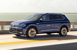 2021 Volkswagen Tiguan color blue