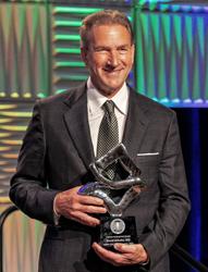 Nura founder and CEO, David Schultz, MD,accepts Lifetime Achievement Award